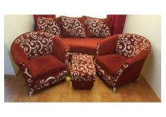 Komplet mebli tapicerowanych - sofa 2 fotele i 2 pufy
